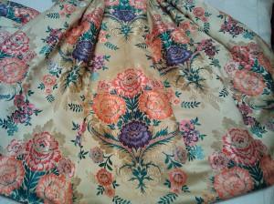 Falda alicantina amarilla y flores colores